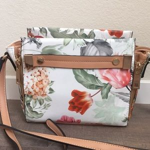 White floral shoulder bag